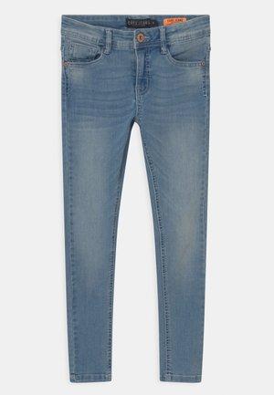 DAVIS - Skinny džíny - light-blue denim