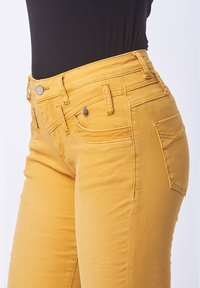 Buena Vista - Trousers - dark yellow - 1