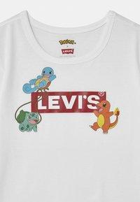 Levi's® - LEVIS X POKEMON GRAPHIC  - Print T-shirt - white - 2
