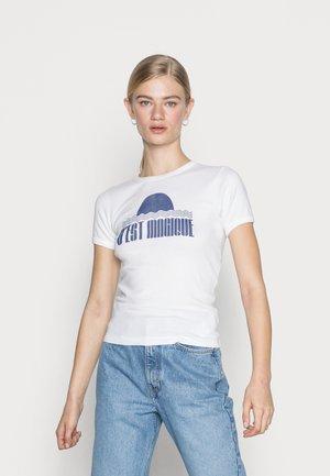 MAGIC BABY TEE - Print T-shirt - white