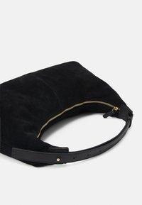 Who What Wear - MALLORY - Across body bag - black - 3