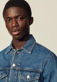 sandro - USED - Denim jacket - blue vintage - 4