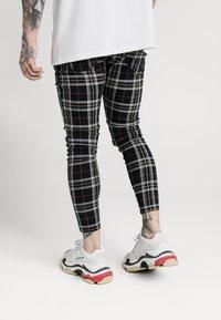 SIKSILK - PLAID CHECK SKINNY  - Trousers - navy/yellow/white - 2