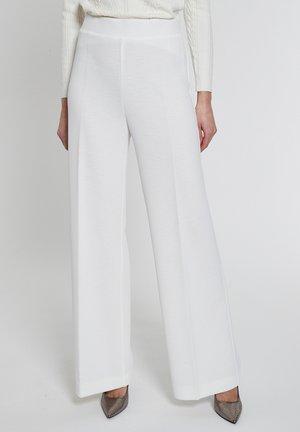 ELNIE - Trousers - weiß