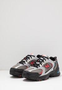 New Balance - MR530 - Sneakersy niskie - black/red - 3
