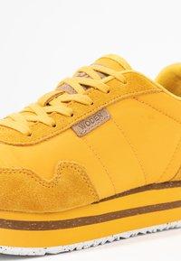 Woden - NORA II PLATEAU - Sneaker low - mango - 2