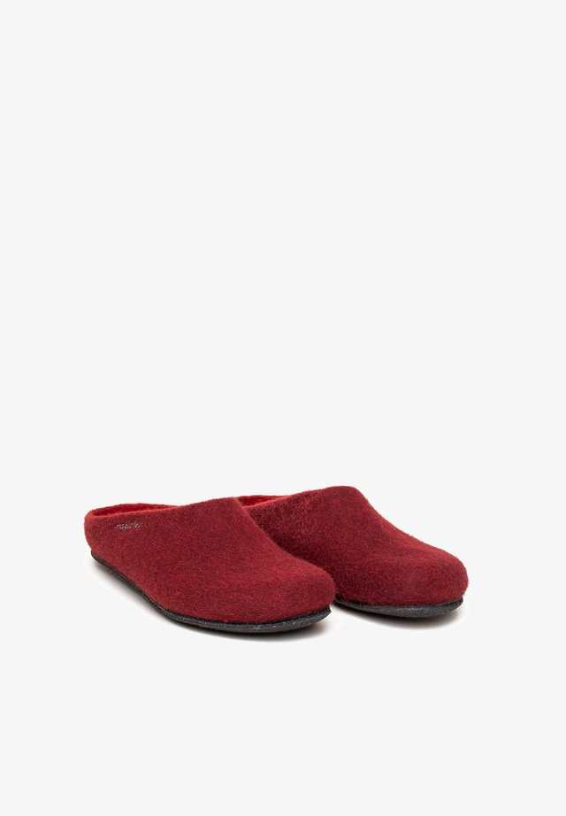 Slippers - chianti