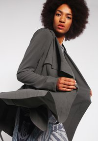 Object - OBJANNLEE JACKET  - Trenchcoats - high-rise - 3