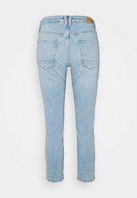 Esprit - Slim fit jeans - blue light wash - 1