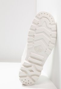 Palladium - PAMPA HI DARE UNISEX - Lace-up ankle boots - star white - 4