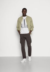 GAP - CORP LOGO - Print T-shirt - white - 1