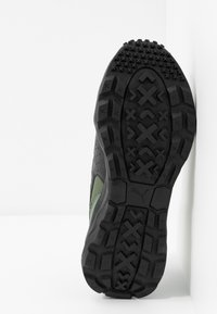 Puma - EMBER - Trail running shoes - thyme/black - 4