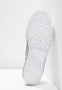 Converse - CHUCK TAYLOR ALL STAR LIFT CLEAN - Baskets basses - black/white - 6