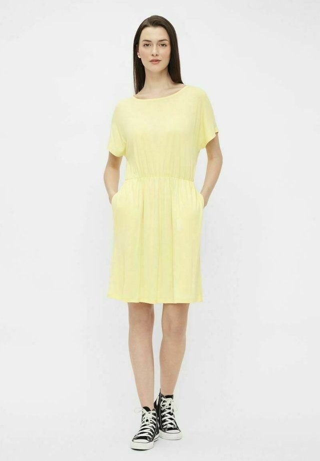 Sukienka letnia - pale banana