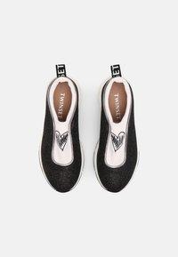TWINSET - ARTIST HEART - Sneakersy niskie - off white/nero - 3
