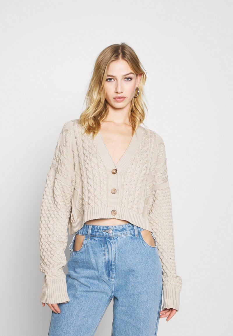 Milk it - MIXED CABLE CROPPED - Cardigan - cream