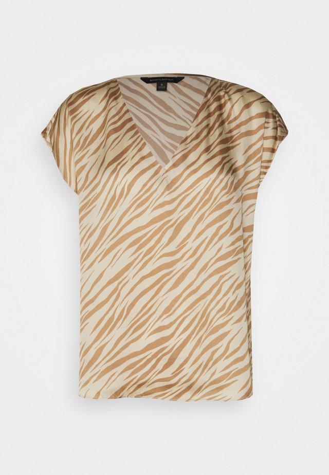 SOFT - T-shirt con stampa - warm zebra