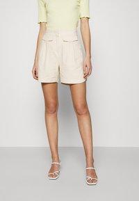 Selected Femme - SLFCECILIE - Shorts - sandshell - 0