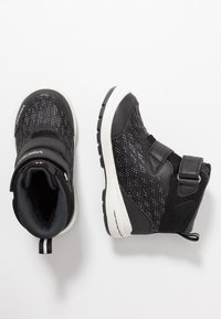Viking - HERO GTX - Hiking shoes - black/charcoal - 0