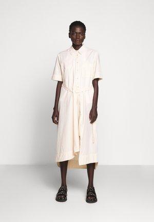 FIRM DRESS - Abito a camicia - pale