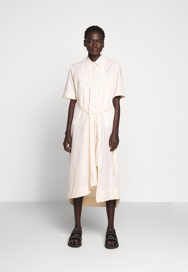 FIRM DRESS - Skjortklänning - pale