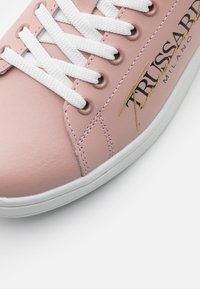 Trussardi - GALIUM - Zapatillas - pink/tan - 4