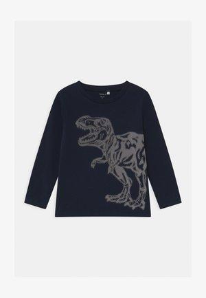 NMMOLLA - Langærmede T-shirts - dark sapphire