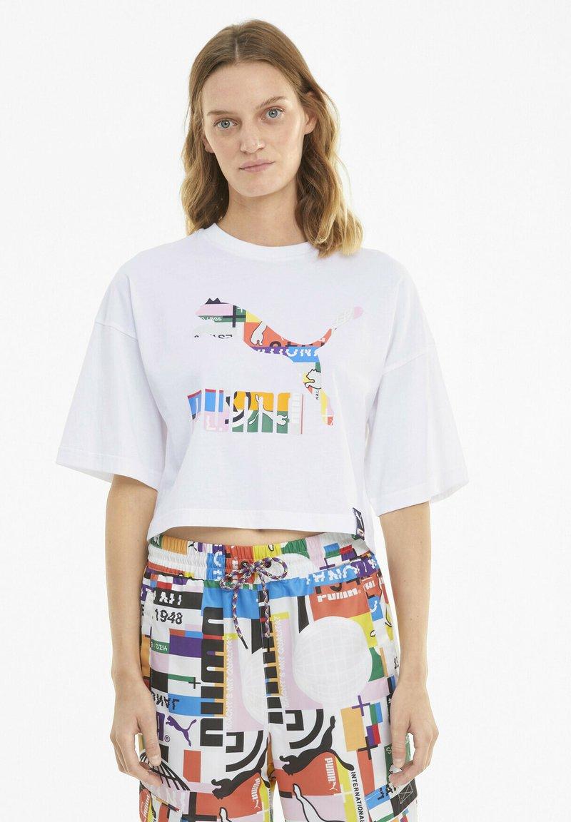 Puma - TEE KVINDE - Print T-shirt - puma white-multi