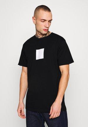 FRONT LOGO TEE - T-shirt med print - black