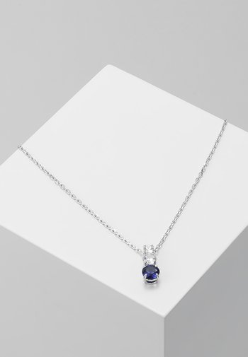 ATTRACT TRILOGY PENDANT