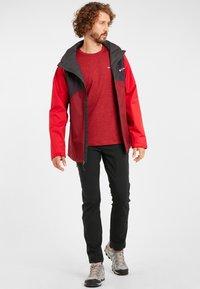 Columbia - RAIN SCAPE - Waterproof jacket - dark purple, mtn red, red jasper, shark - 1
