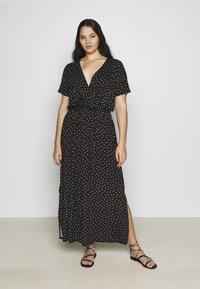 Dorothy Perkins Curve - WRAP SPOT  - Robe longue - black/white - 0