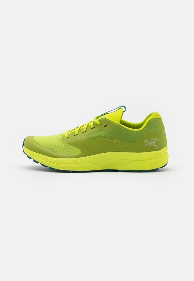 NORVAN LD 2 M - Trail running shoes - pulse/paradigm