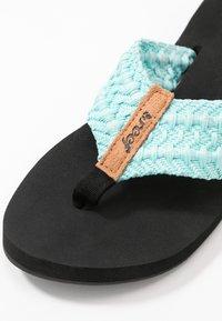Reef - CUSHION THREADS - Sandály s odděleným palcem - aqua - 2