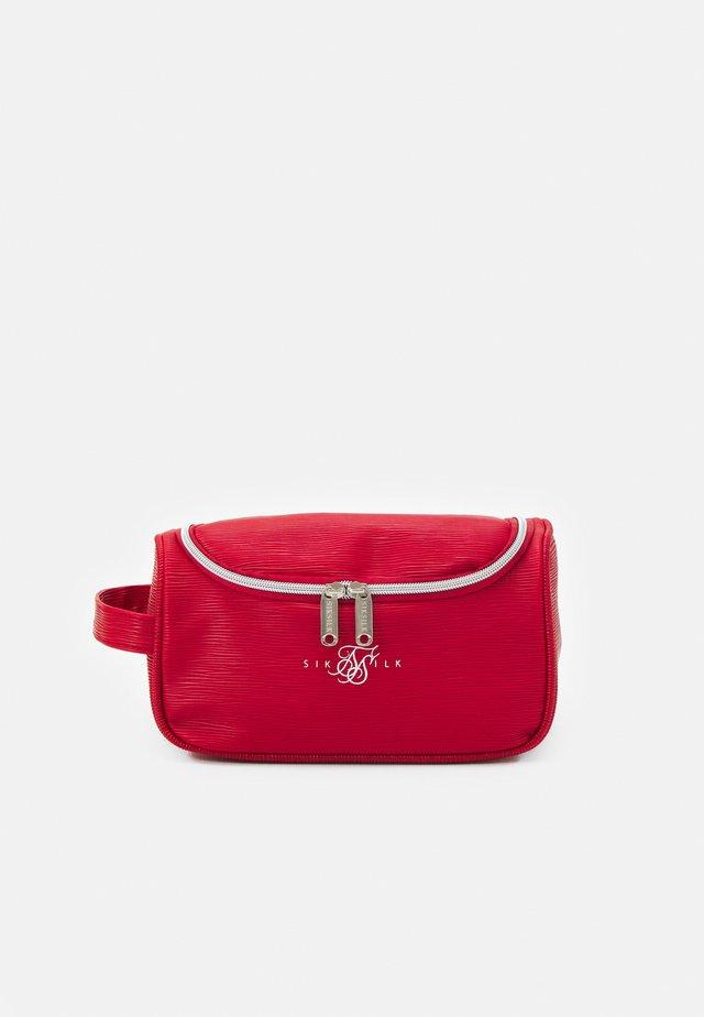 ELITE WASH BAG UNISEX - Kosmetická taška - red