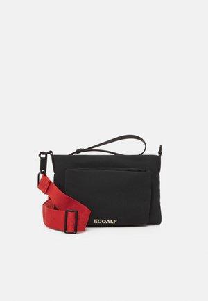 MID FLAT CLUTH SET - Across body bag - black