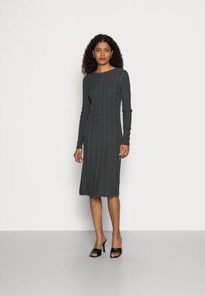 BCI CO - Strikket kjole - anthracite