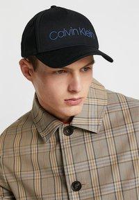 Calvin Klein - CONTRAST TRUCKER - Casquette - black - 1