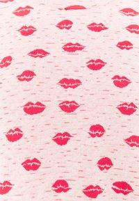Carin Wester - NINA  - Jumper - print lipstick - 6