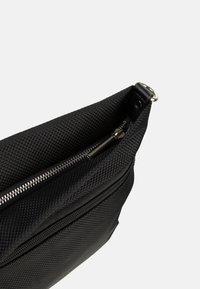 SURI FREY - MARRY - Across body bag - black - 7