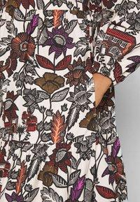 Scotch & Soda - VOLUMINOUS PRINTED ORGANIC DRESS - Denní šaty - white/brown - 5