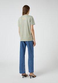 PULL&BEAR - Print T-shirt - green - 2