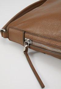FREDsBRUDER - RIMINI - Handbag - chestnut - 2