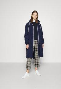Lacoste - Classic coat - navy blue/white - 1
