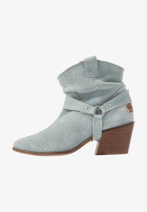 CAMILA - Cowboy/biker ankle boot - cel