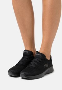 Skechers Sport - DYNAMIGHT 2.0 - Sneakers basse - black - 0