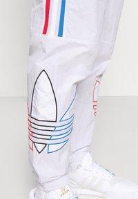 adidas Originals - TRICOL UNISEX - Träningsbyxor - grey - 4