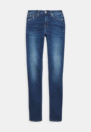 SUPER SKINNY - Jeans Skinny Fit - mid blue