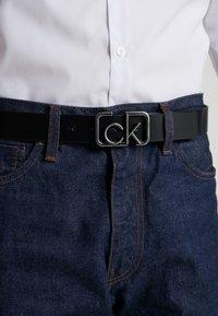 Calvin Klein - SIGNATURE BELT - Pásek - black - 1