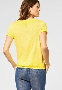 Cecil - Basic T-shirt - gelb - 2